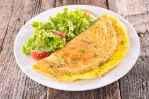 Omelette de queso y hierbas