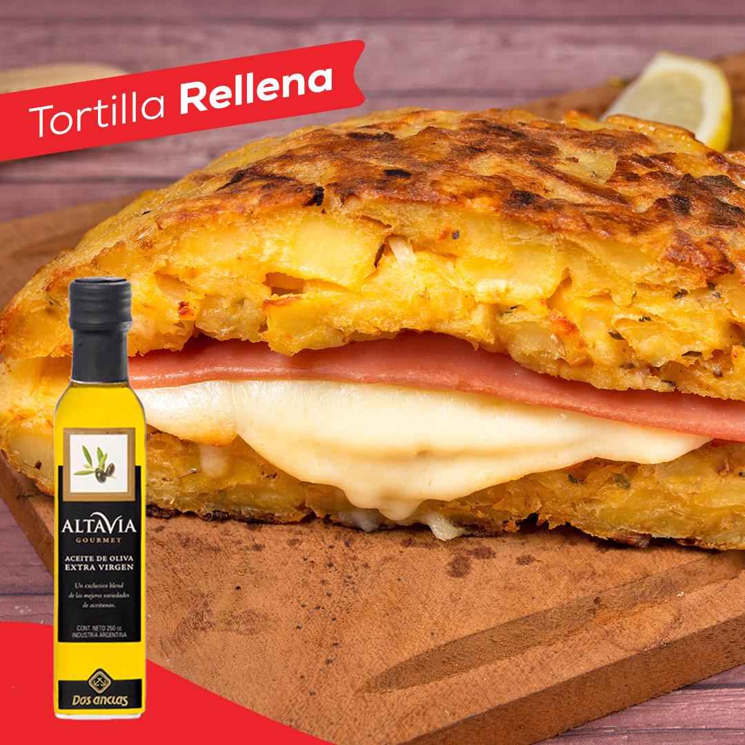 Tortilla rellena con jamón y queso